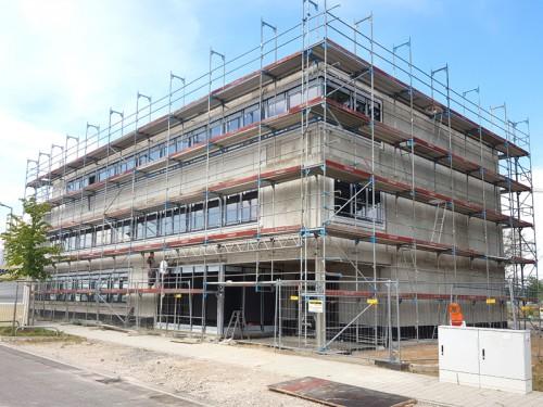 Tantzky-Neubau mit neuen Fensterfronten